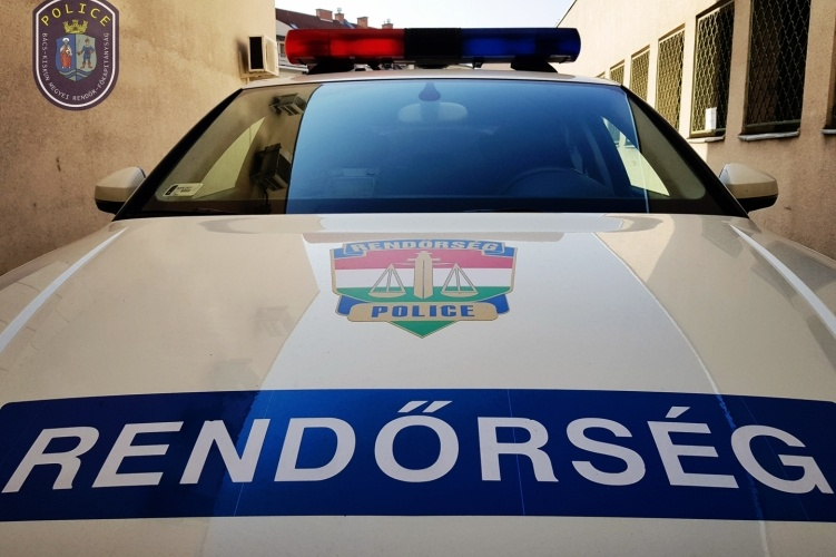 Átadták az olasz hatóságok a budapesti nyomozóknak