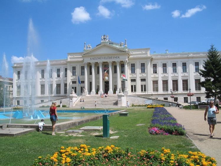 Felújították a Móra Ferenc Múzeum és a szegedi vár épületét
